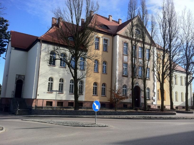 Przed Sądem Rejonowym w Człuchowie stanie dziś 20.09 ponownie były burmistrz Debrzna