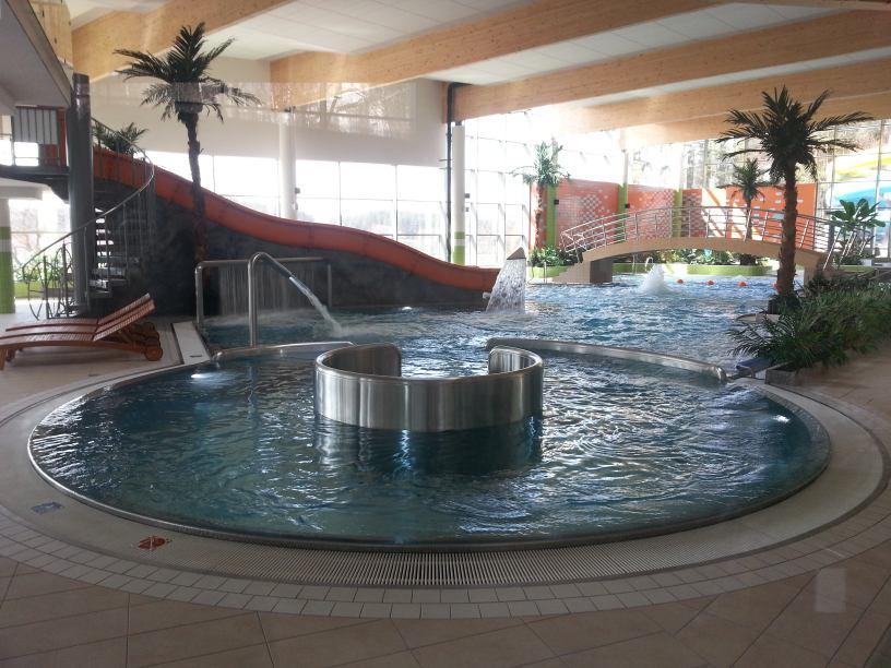 Jak w warunkach lockdownu funkcjonuje obecnie basen w Bytowie? Są ograniczenia ROZMOWA