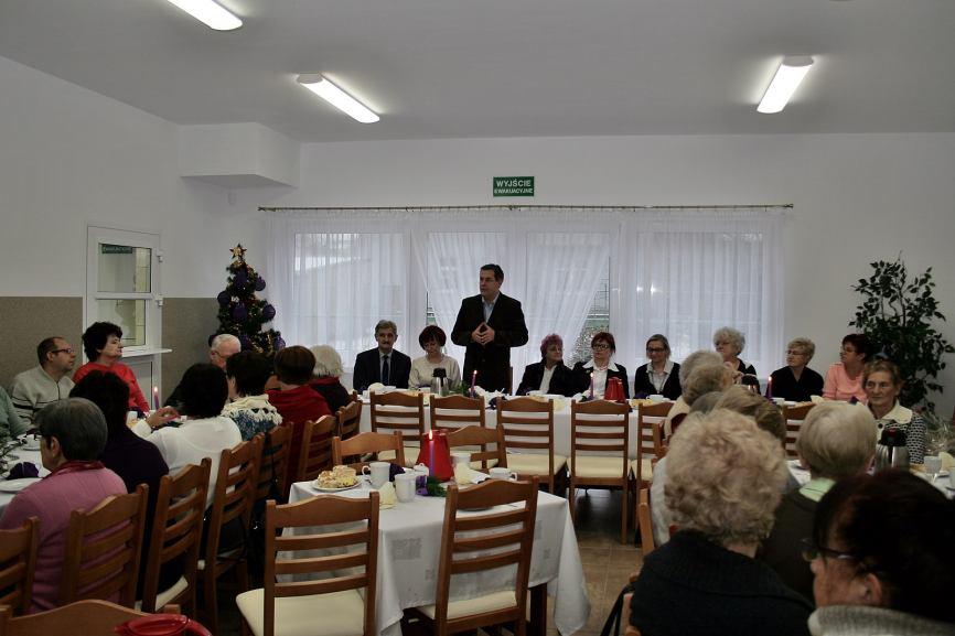 Członkowie klubu seniora Wrzos z wizytą w Domu Dziennego Pobytu