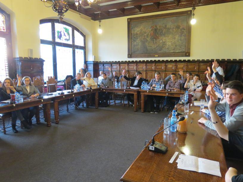 Informacja dotycząca II sesji Młodzieżowej Rady Miejskiej