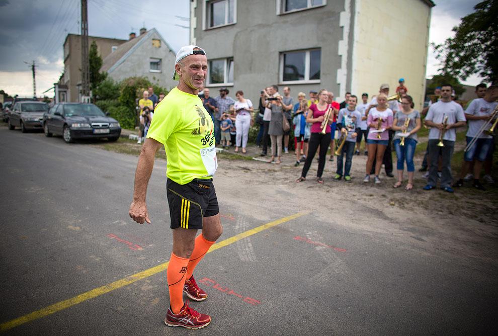 Ryszard Kałaczyński biegnie dziś setny maraton