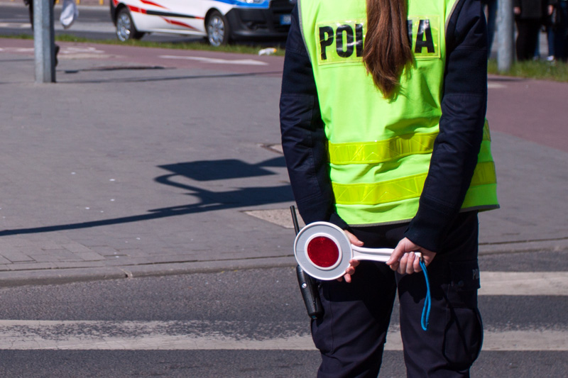 Funkcjonariusze w regionie przeprowadzają kontrole autokarów, którymi podróżują dzieci i młodzież