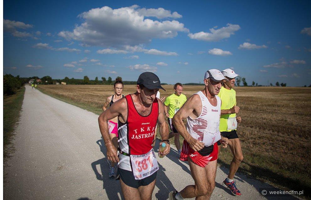 Czy w sobotę padnie rekord? 366 maratonów w 366 dni
