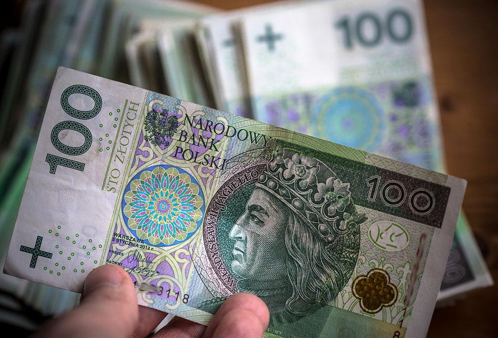 Radny z Sępólna Krajeńskiego chce sfinansować podwyżki dla nauczycieli z pensji katechetów