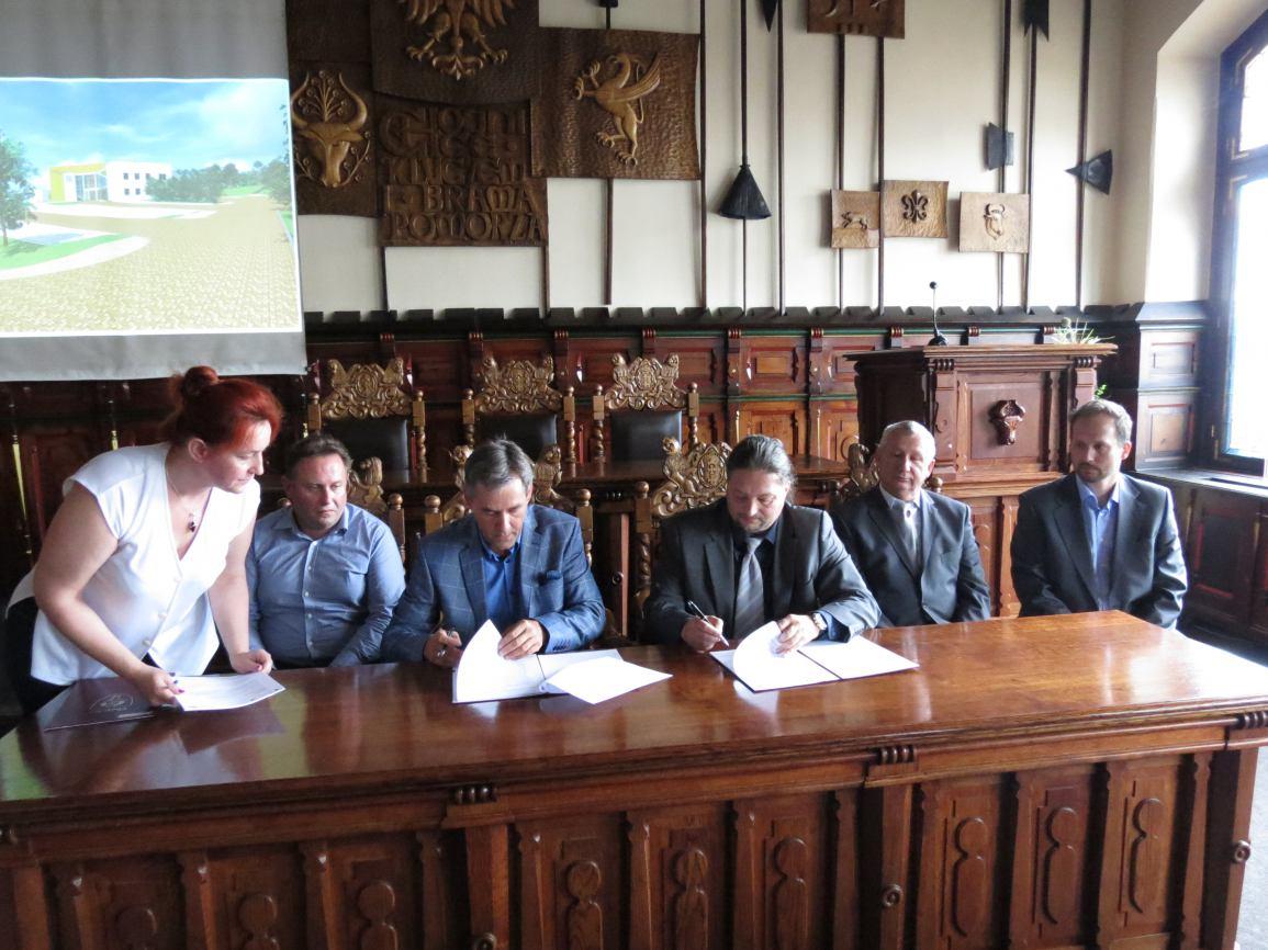 Podpisanie umowy na termomodernizację i przebudowę CHCK