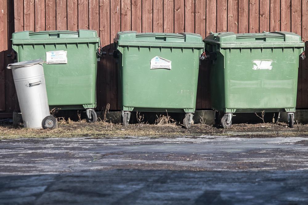O prawie 50 procent wzrośnie koszt wywozu śmieci w gminie  Bytów