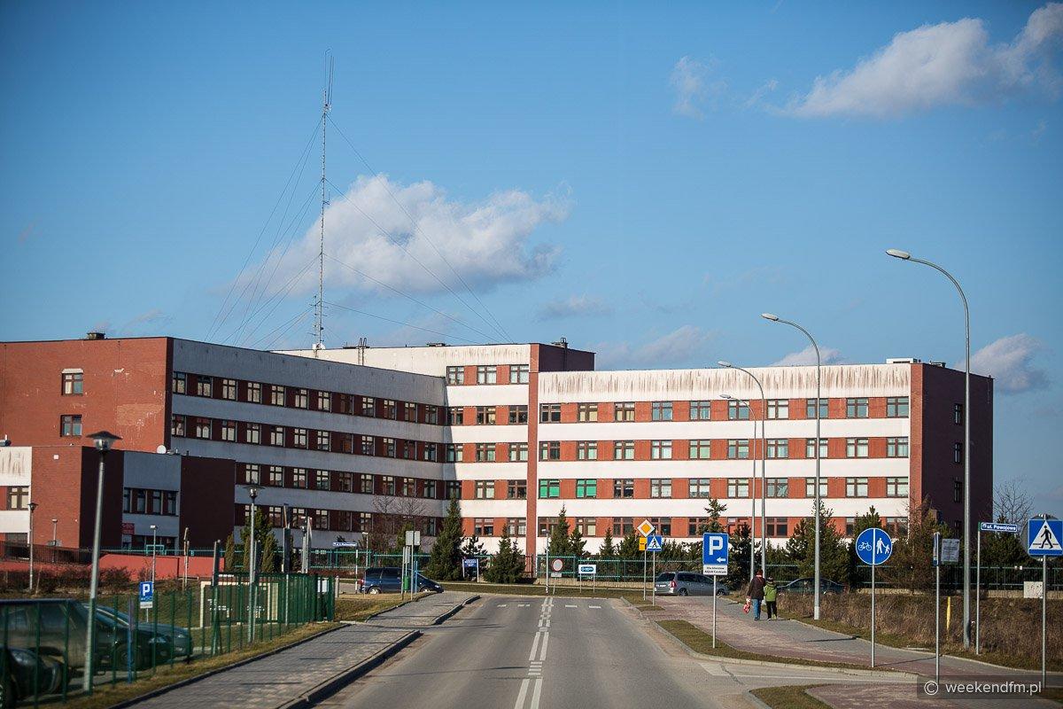 Tysiące litrów spirytusu trafiło do Szpitala Specjalistycznego w Kościerzynie. To alkohol pochodzący z przemytu