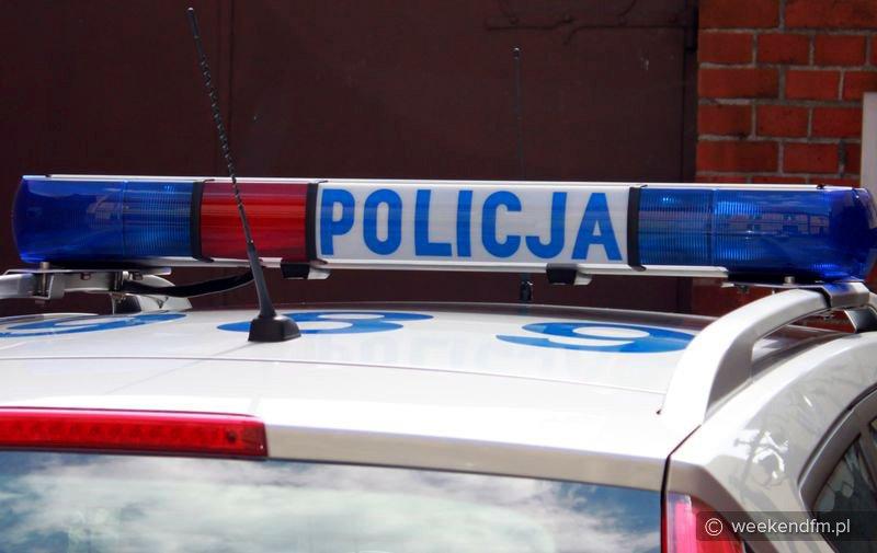 19-latek prowadził auto pod wpływem alkoholu i bez uprawnień, próbował też uciekać przed policją
