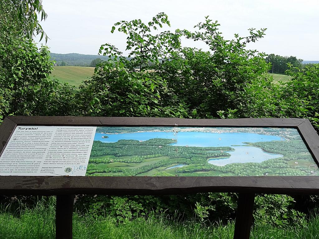 Punkt widokowy na Jezioro Charzykowskie coraz bardziej zaniedbany