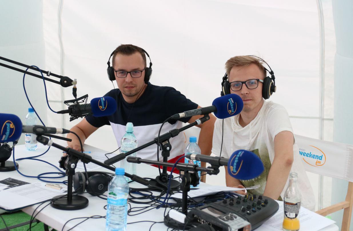 Specjalne wydanie z mobilnego studia Weekend FM w Charzykowach o Marbruk Triathlonie i Chojniczance