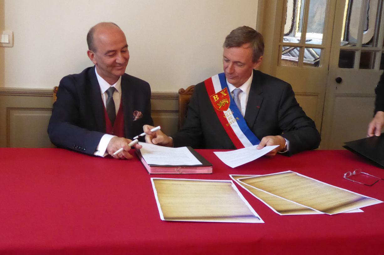 Dwie partnerskie umowy już podpisane