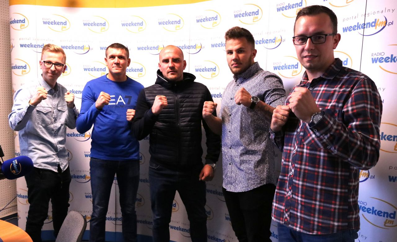 On walczy na boisku, oni w bokserskim ringu - Wojciech Trochim, Piotr Gruchała i Marcin Łęgowski w studiu Weekend FM