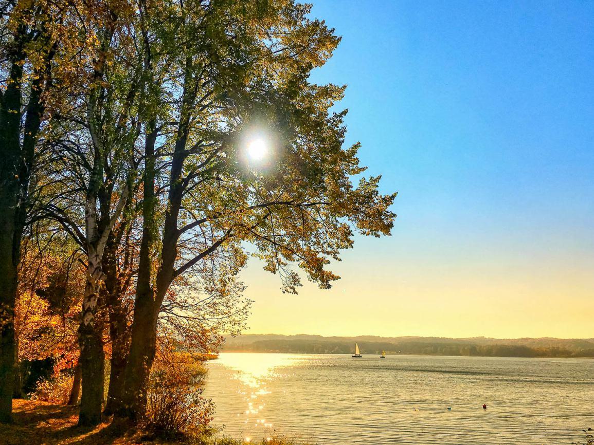 Piesza wędrówka wokół Jeziora Charzykowskiego ze stowarzyszeniem Charzy