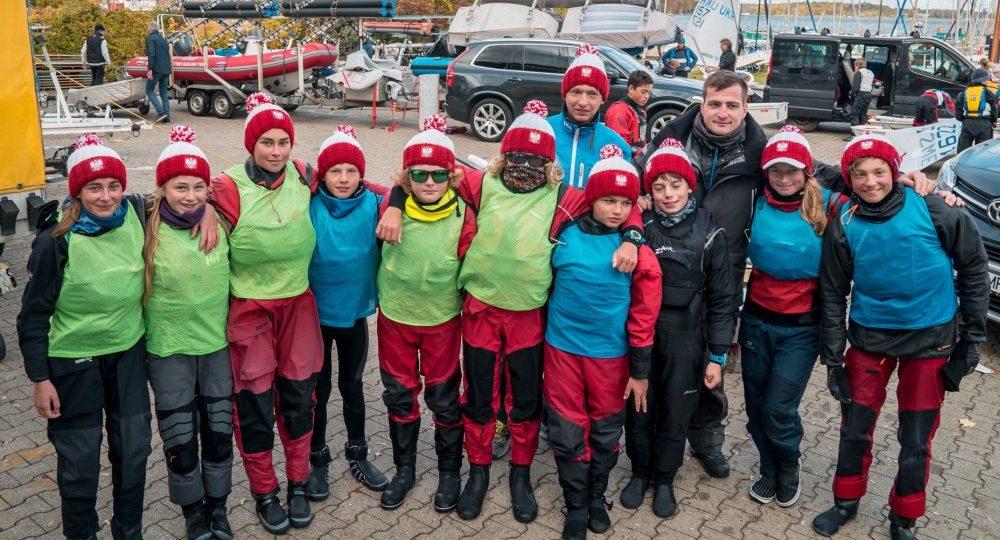 Młodzi żeglarze z Chojnic i Charzyków zdobyli srebrne medale Drużynowego Pucharu Europy