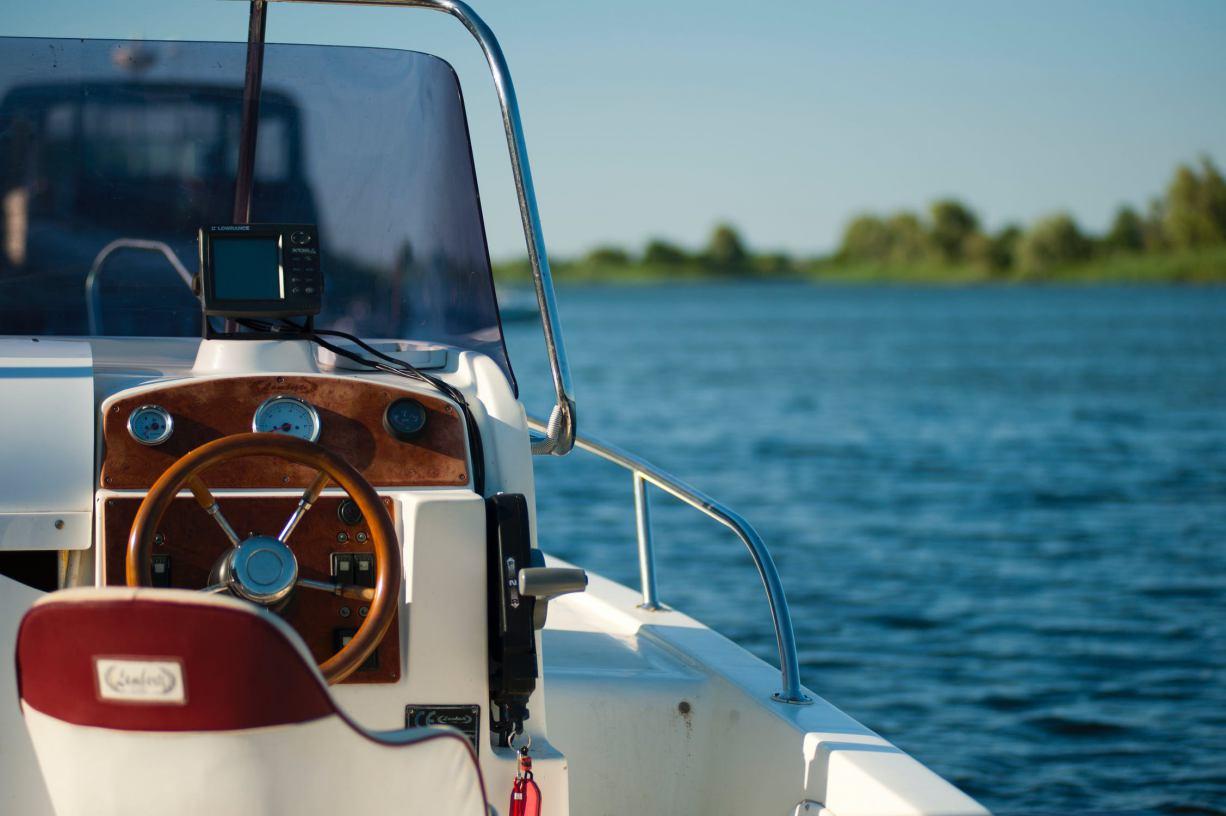 Zakaz używania motorówek na Jeziorze Głębokim w gminie Miastko będzie obowiązywał. Pomimo orzeczenia NSA