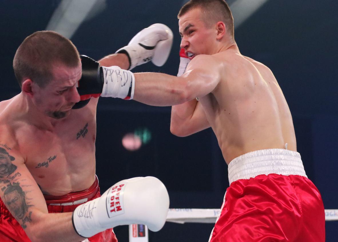 Kewin Gruchała z Chojnic i Nikodem Jeżewski z Kościerzyny powalczą dziś podczas gali bokserskiej w Koninie