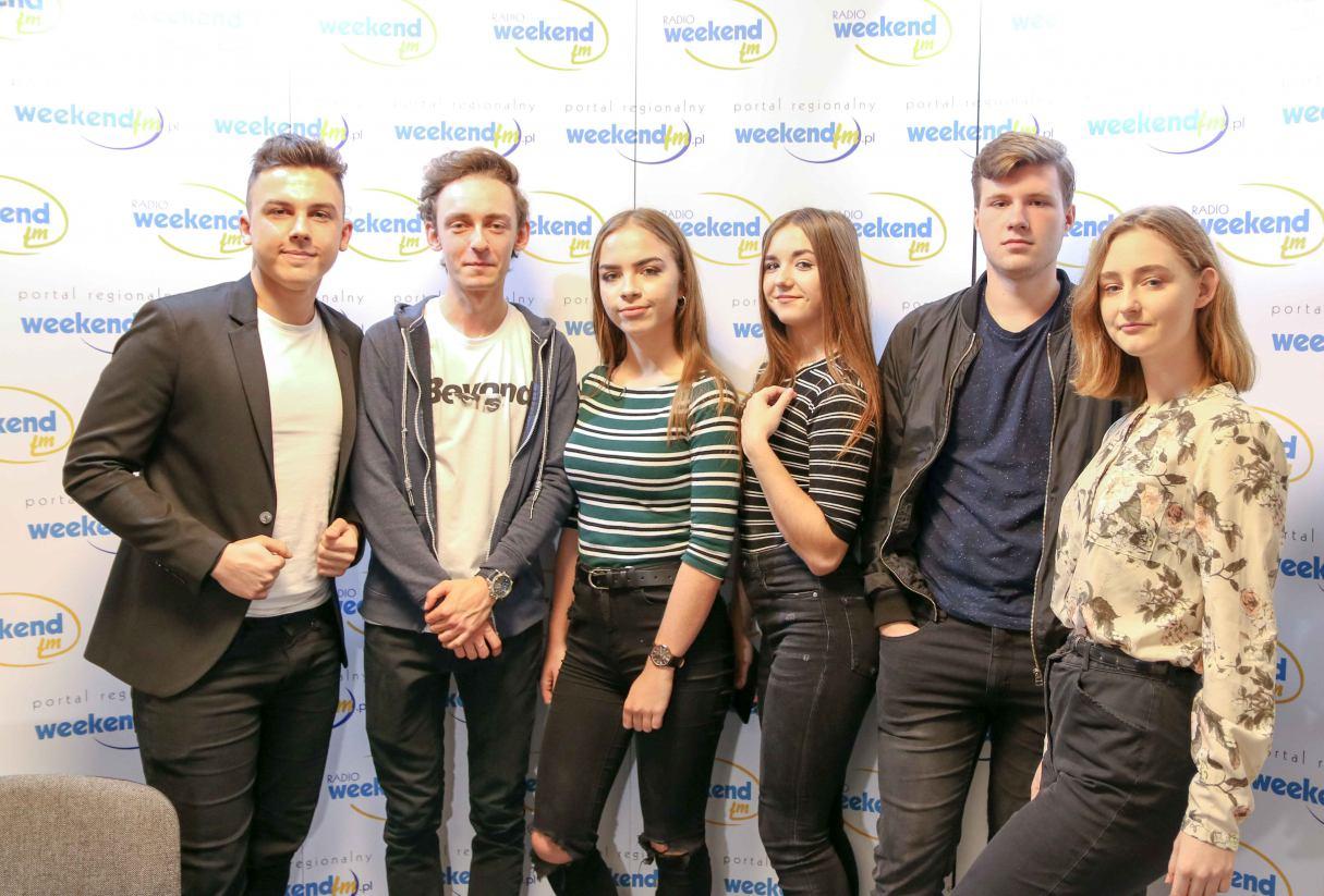 FAIRLY LOCAL łączy muzyczne style. Młodzi muzycy z naszego regionu pojawili się dziś w Weekend FM.