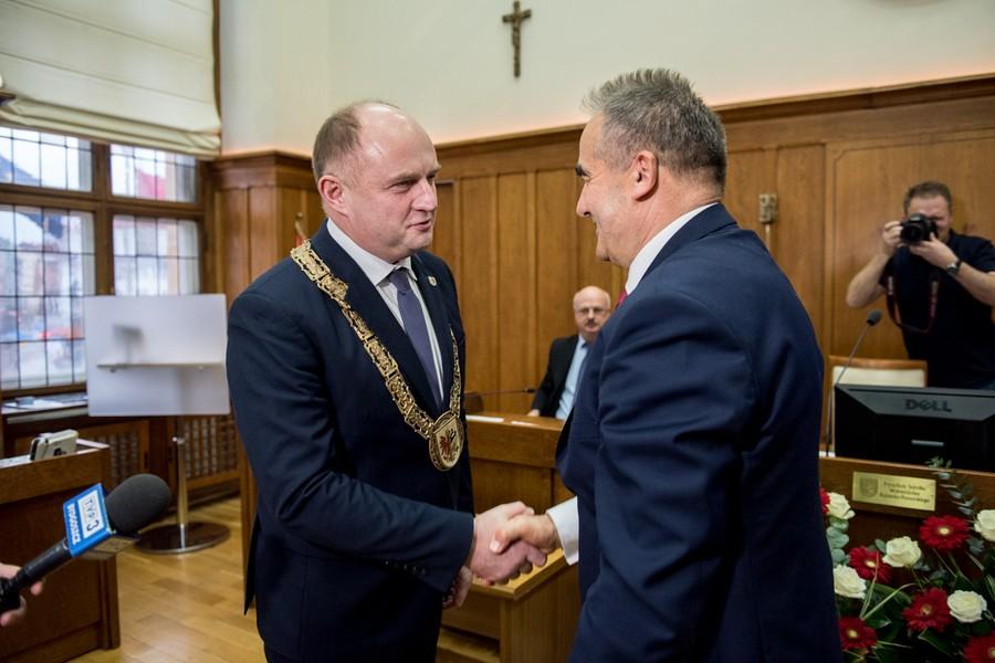 Całbecki nadal marszałkiem województwa kujawsko-pomorskiego