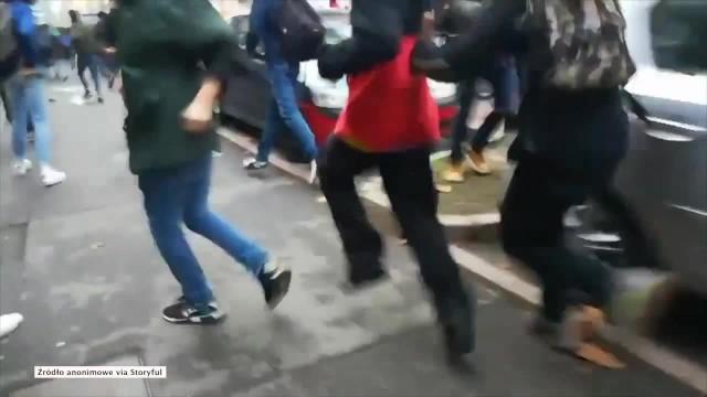 Płonące samochody w Tuluzie. Protest francuskich studentów przeciwko reformie edukacji