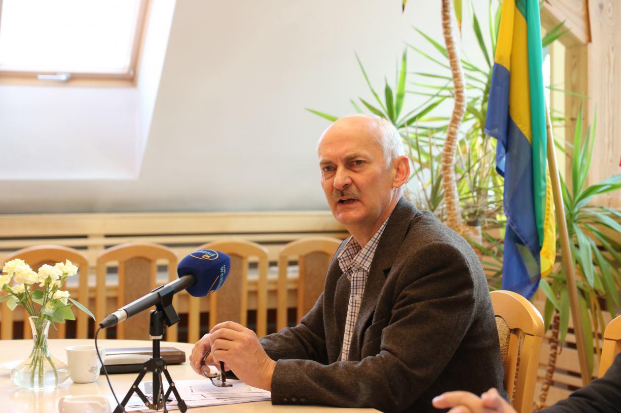 Gmina Chojnice kupiła trzy czujniki do pomiaru i monitorowania pyłów zawieszonych w powietrzu