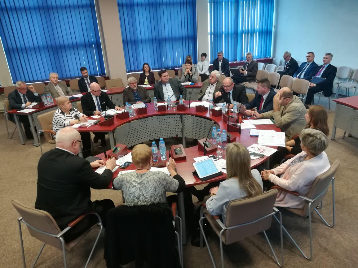 15 milionów kredytu zabezpieczonego hipoteką zaciągnie Zarząd Powiatu Sępoleńskiego