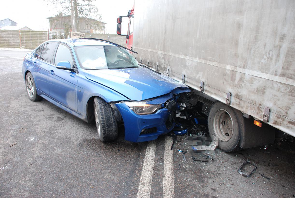 Zderzenie bmw i samochodu ciężarowego w powiecie bytowskim