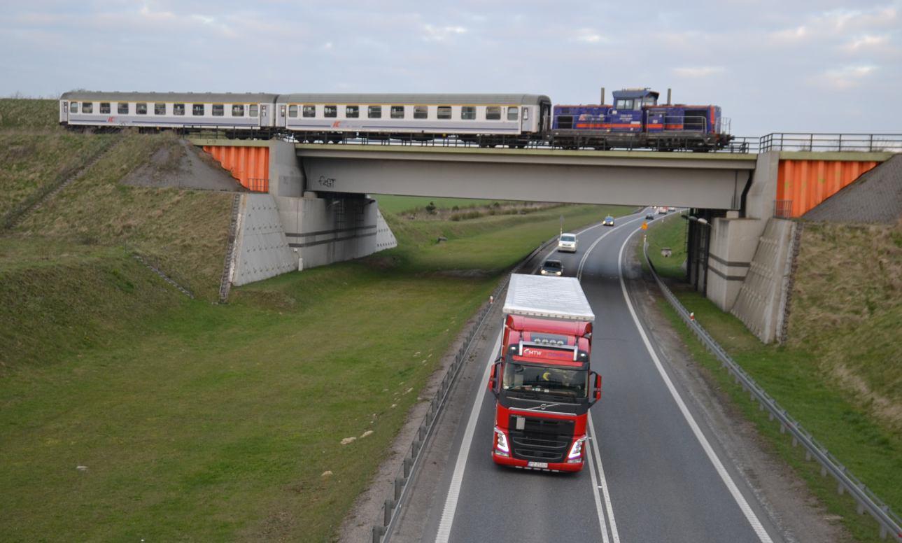 Pociąg Intercity ma przejechać przez Człuchów i Czarne bez postoju. Radni chcą go zatrzymać