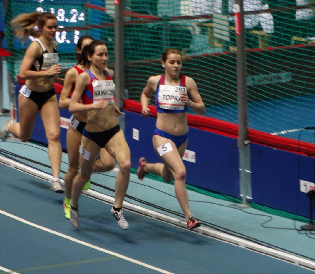 Beata Topka z Talexu Borzytuchom wywalczyła halowe wicemistrzostwo Polski w biegu na 1500 metrów seniorek