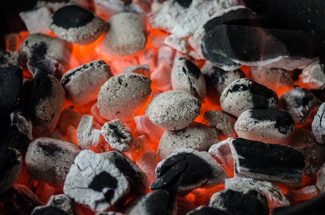 Wandaloodporny grill remedium na nudę? Tucholski radny proponuję stworzenie miejsca rekreacji nad jeziorem