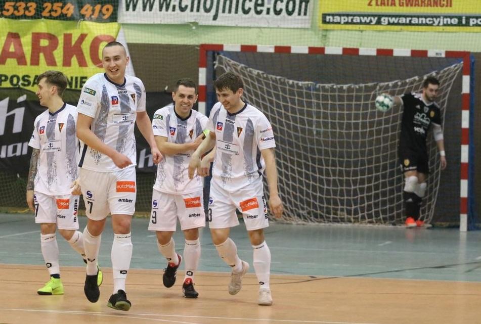 Ostatnia w tabeli Futsal Ekstraklasy Pogoń 04 Szczecin pokonała Red Devils Chojnice 4:2 (FOTO)