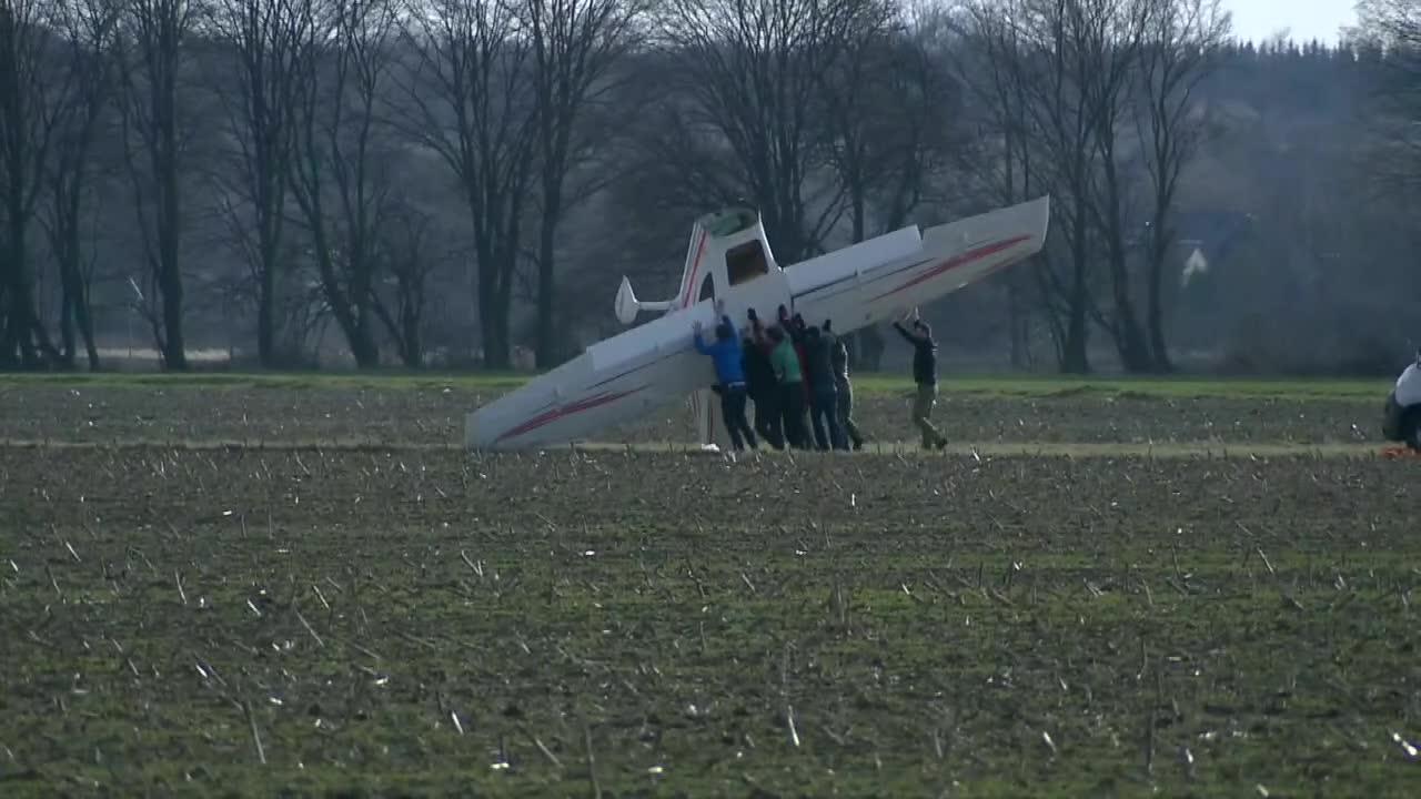 Podmuch wiatru doprowadził do wywrócenia się awionetki&rdquo. Pilot był trzeźwy
