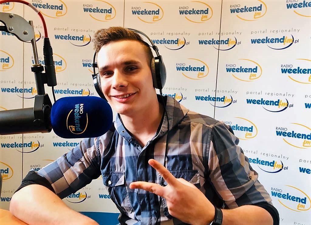 Maciej Pasiński, czyli Mikelle. Raper pochodzący z Ogorzelin i jego Ostatni samuraj w Weekend FM