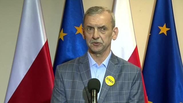 ZNP i FZZ nie porozumiały się z rządem i rozpoczęły strajk.