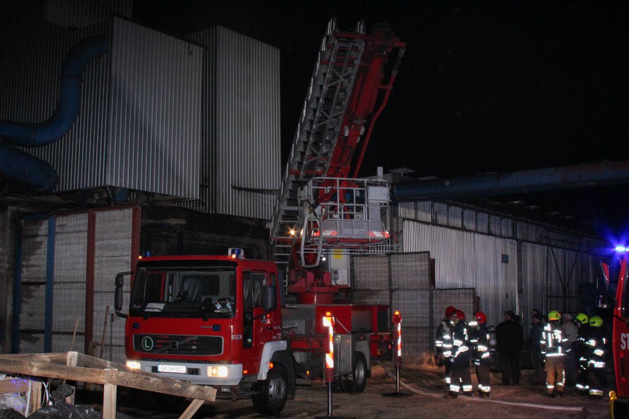 Pożar na terenie tartaku w Dziemianach, w powiecie kościerskim
