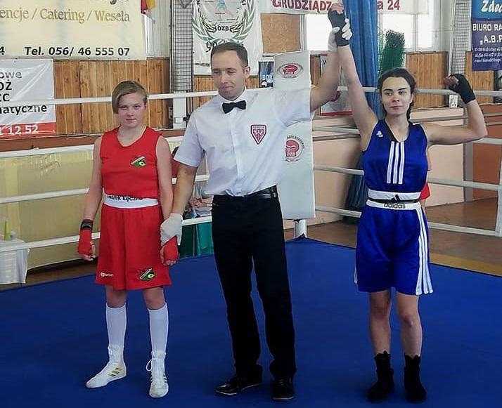 Dwie pięściarki z klubów z naszego regionu przebrnęły turniej eliminacyjny do Ogólnopolskiej Olimpiady Młodzieży w Boksie
