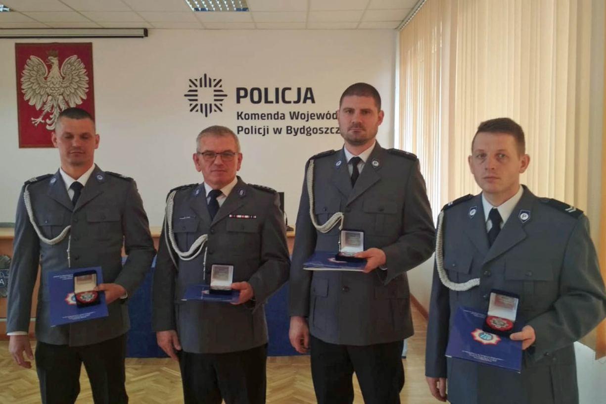 Policjanci z Tucholi w gronie wyróżnionych za wzorową i ofiarną służbę