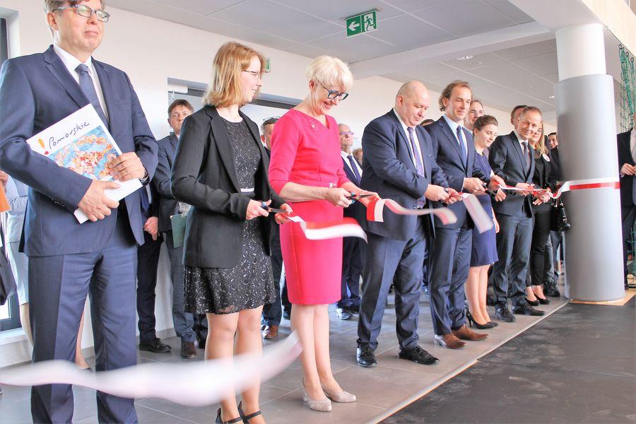 Wielofunkcyjny obiekt edukacyjny przy ulicy Świętopełka w Chojnicach uroczyście otwarty (FOTO)