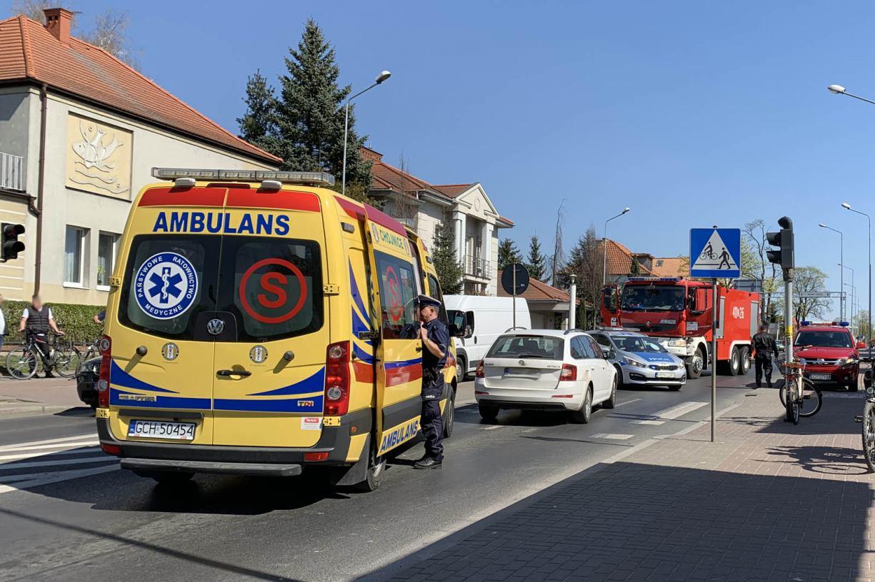 Potrącenie rowerzystki w centrum Chojnic. Poszkodowana trafiła do szpitala
