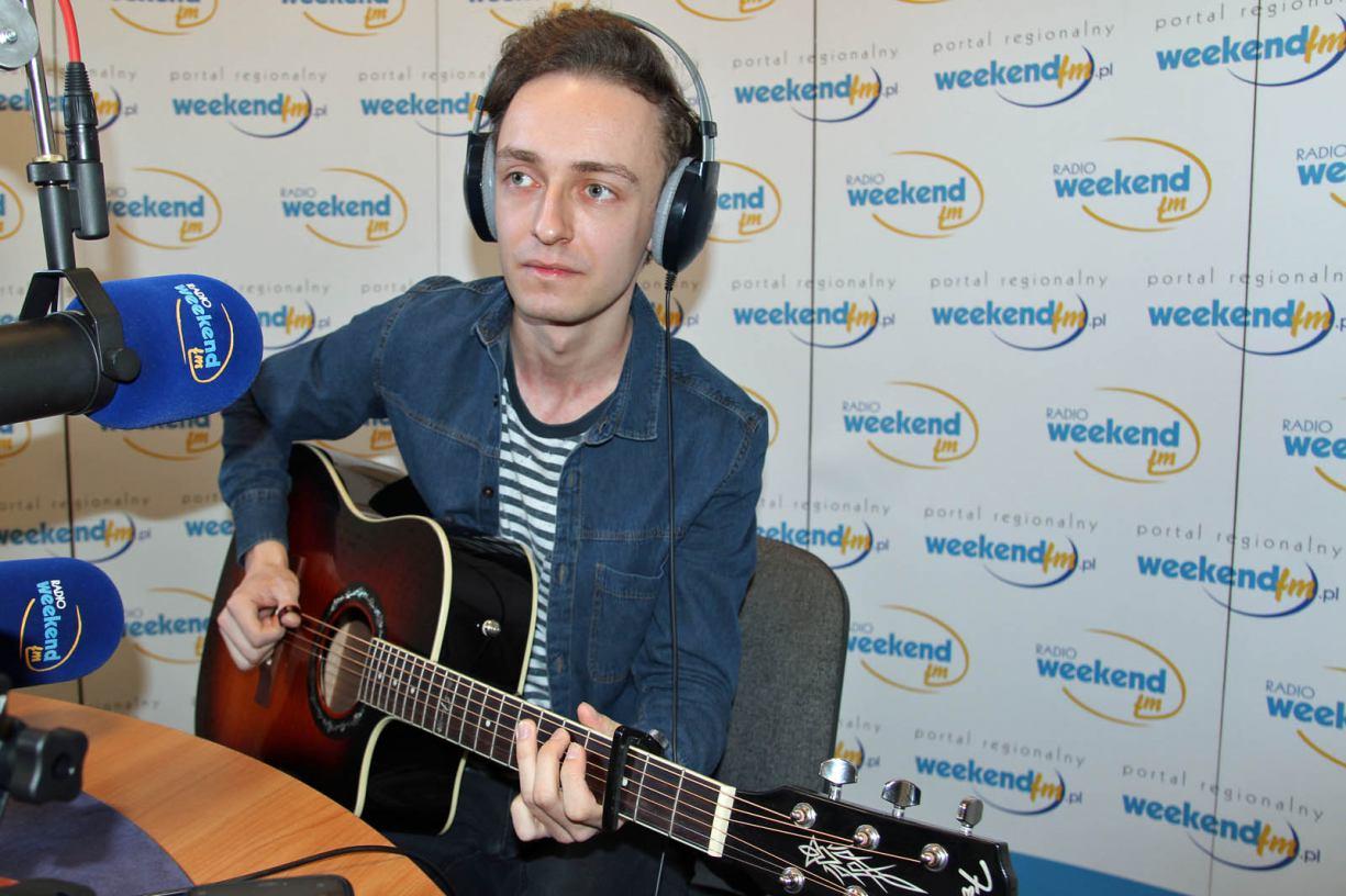 Mateusz Wedmann z Kamienia Kr. na żywo w Weekend FM