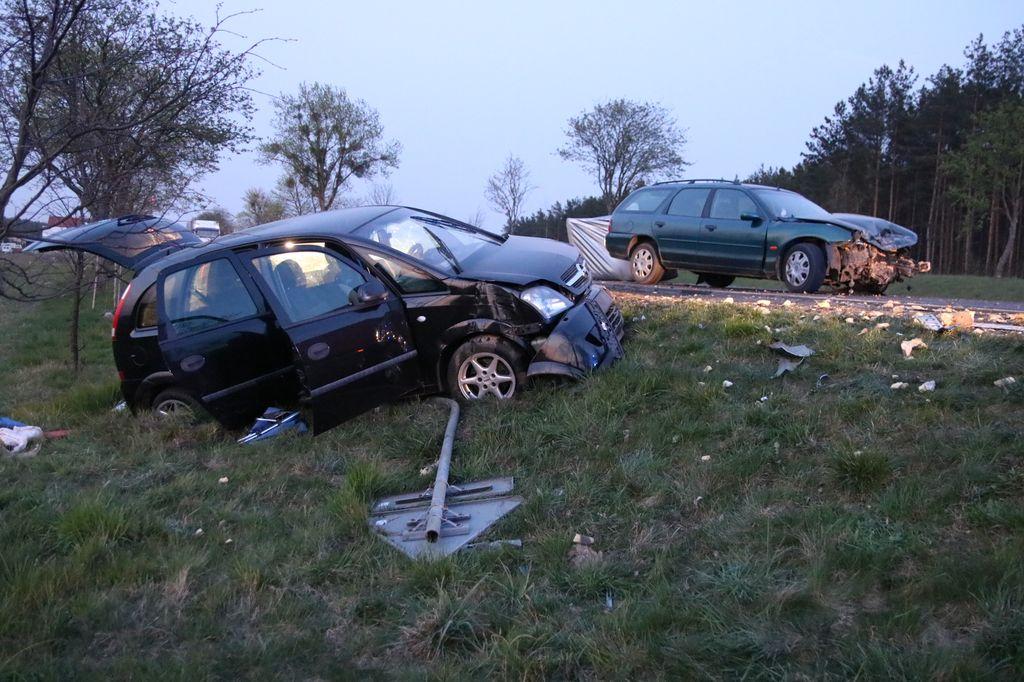 Wypadek w okolicach miejscowości Rychnowy na drodze krajowej nr 22. Jedna osoba poszkodowana FOTO