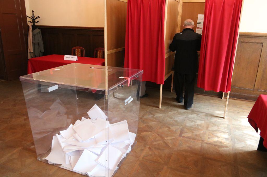 Chojnice przewodniczący jednej z komisji dopisał nieuprawnioną osobę do listy wyborców