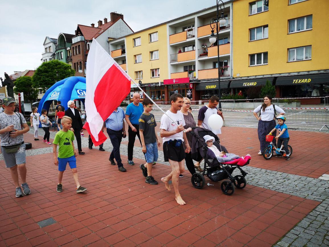 Bytów: Międzynarodowy Półmaraton Gochów oraz 24-godzinny bieg boso (FOTO)