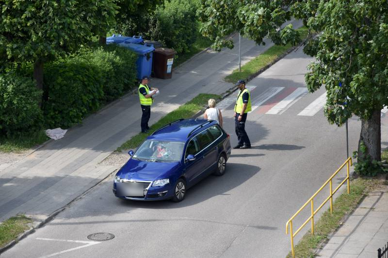 31-letnia kobieta ranna w wypadku w Kościerzynie. Policja wtargnęła na przejście dla pieszych