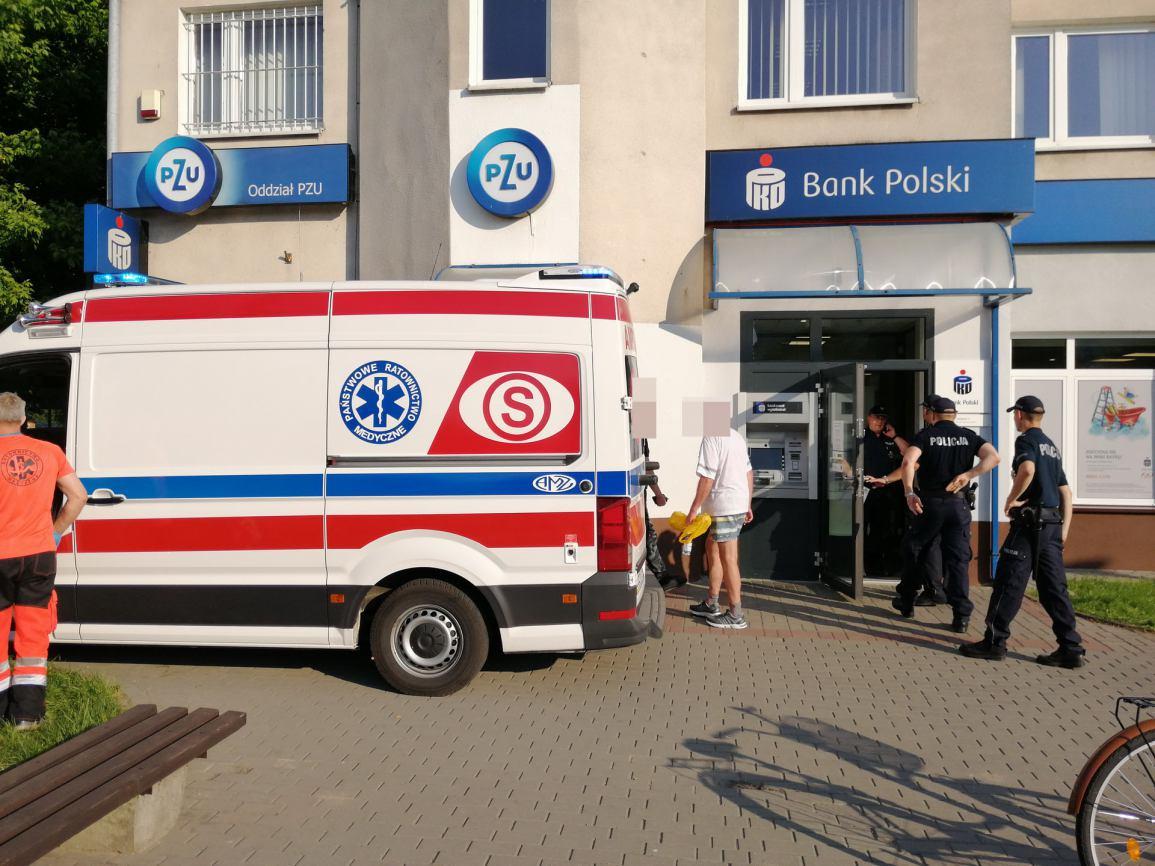 Niecodzienna interwencja policji w sępoleńskim banku FOTO