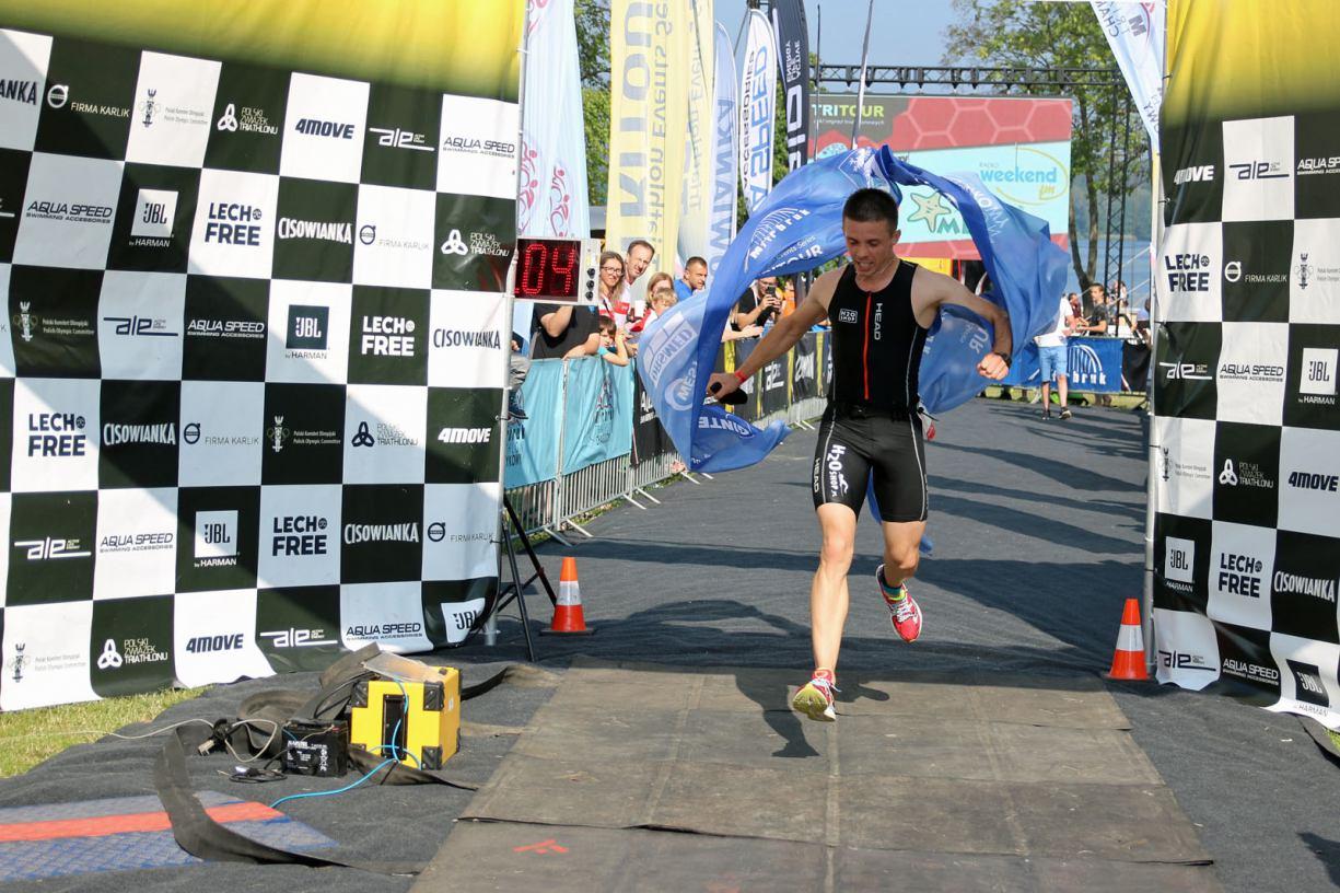 Łukasz Krieger z Chojniczek wygrał dystans sprinterski podczas Marbruk Triathlonu Charzykowy