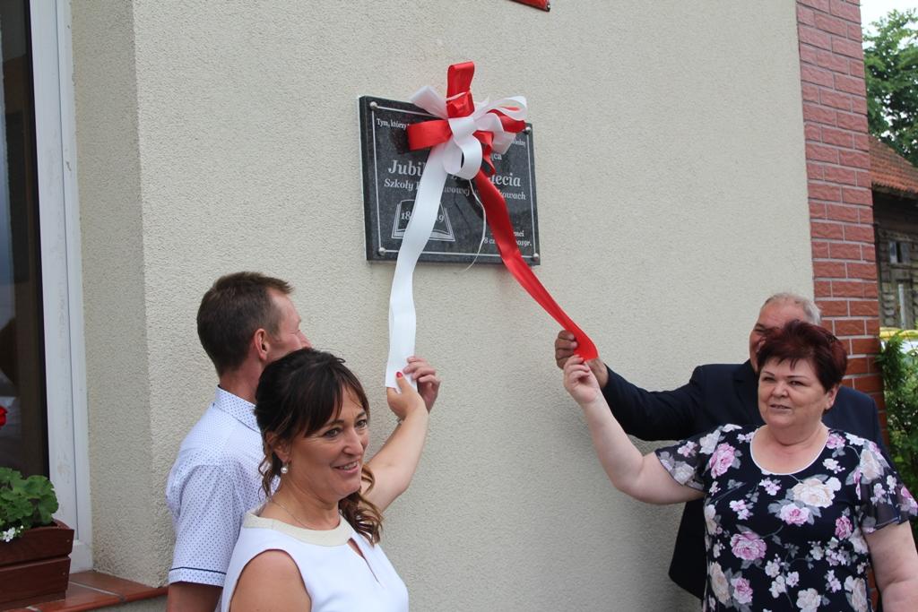 Szkoła Podstawowa w Tuszkowach koło Lipusza świętowała 200-lecie swojego istnienia FOTO
