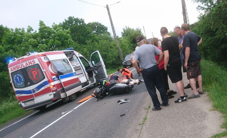Wjechał skuterem pod ciężarówkę. Wypadek na drodze krajowej nr 25 w Brzeziu w gminie Rzeczenica