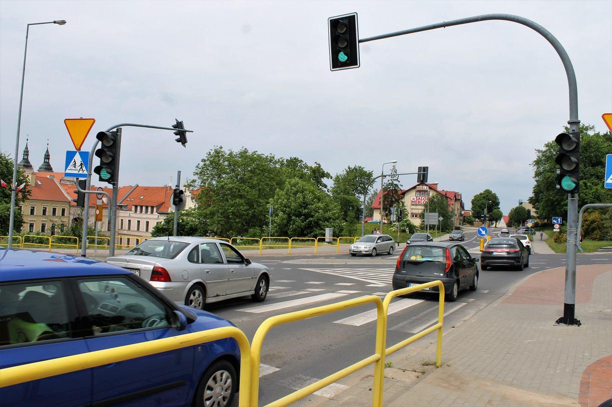 Wraca temat zmiany organizacji ruchu na skrzyżowaniu Wysokiej, Gdańskiej i Swarożyca w Chojnicach