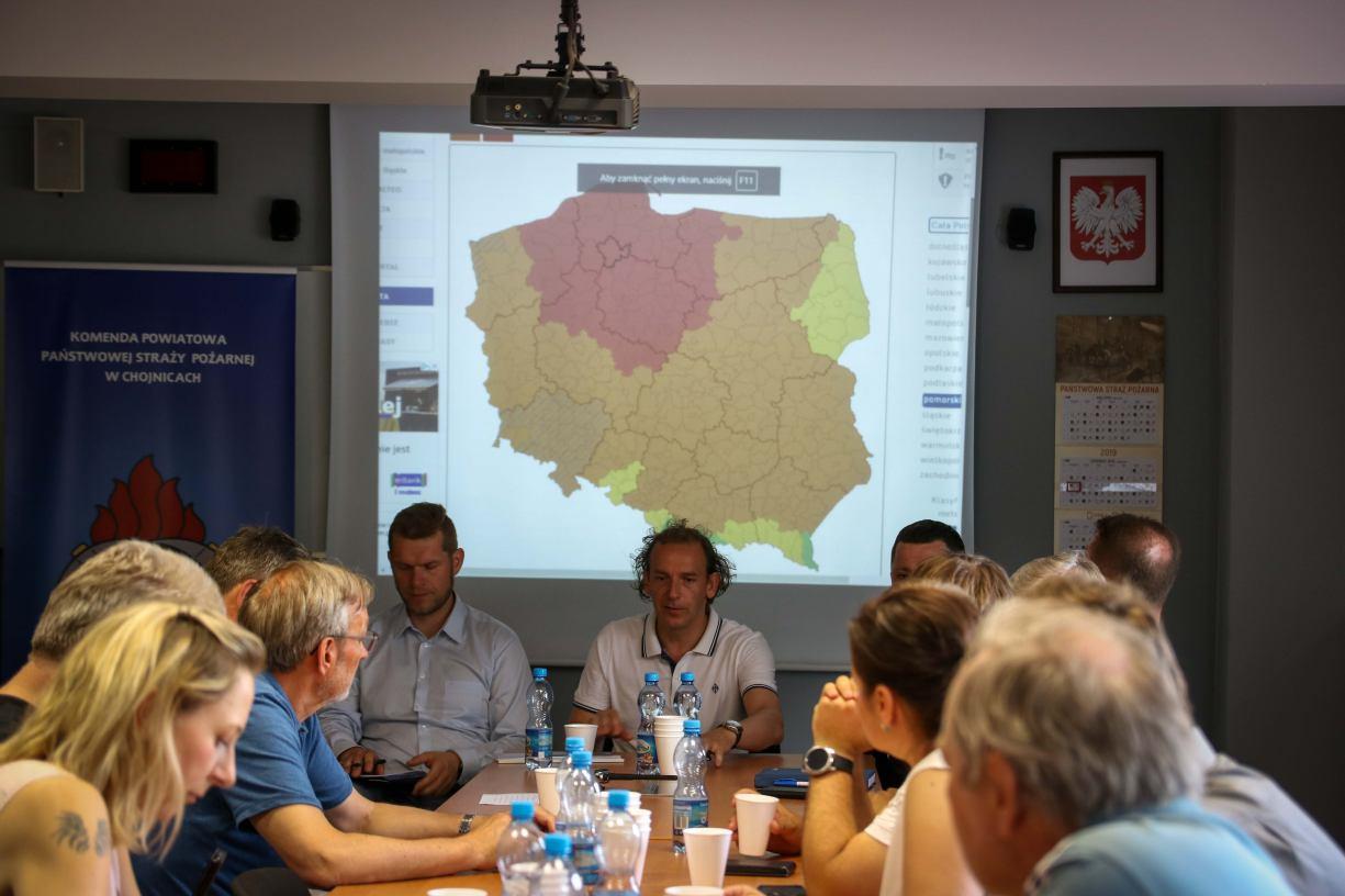 Czerwony alert pogodowy. W Chojnicach zwołano sztab kryzysowy Kumulacja zjawiska ma nastąpić na Kaszubach