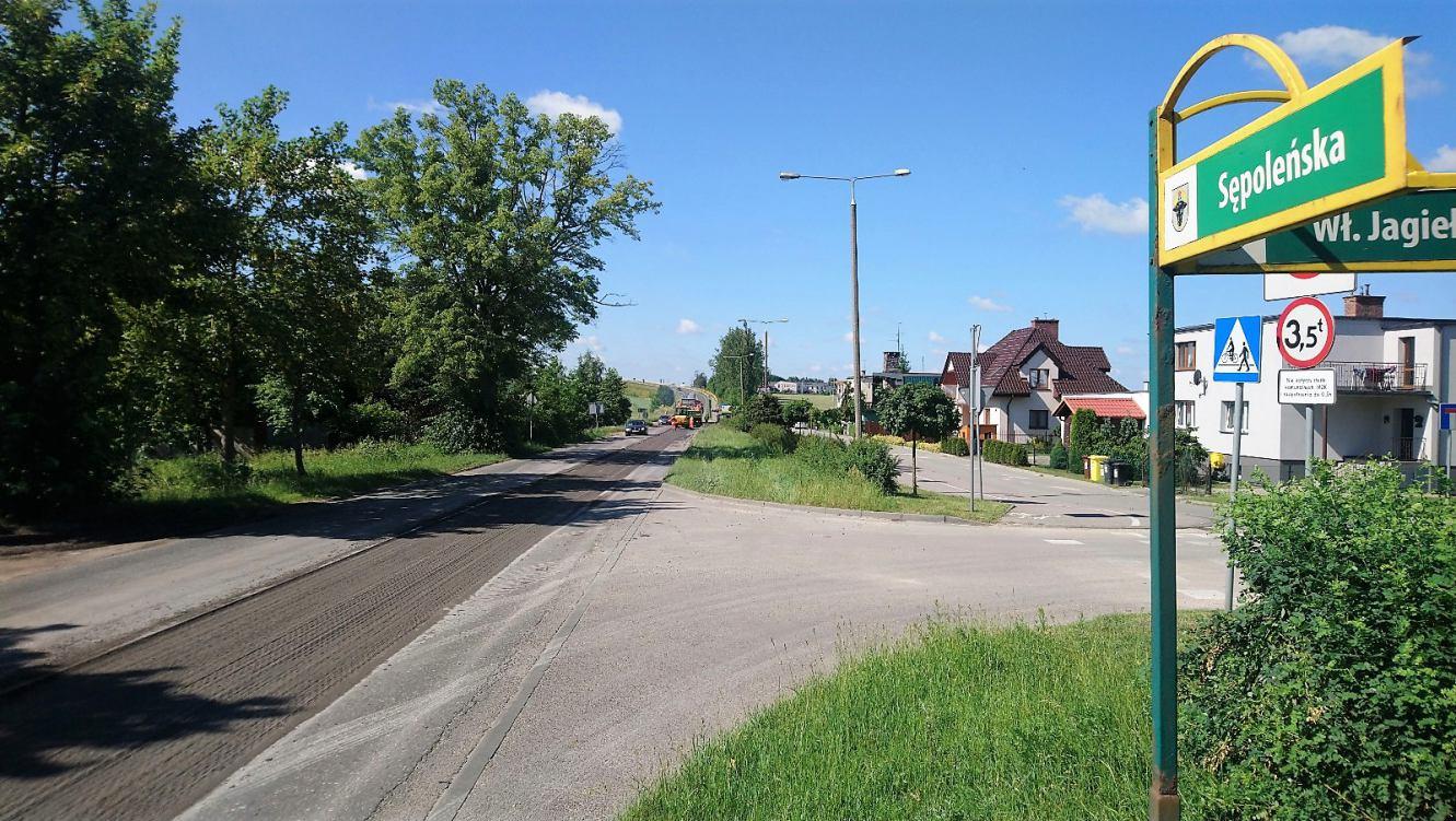 Ruszył remont kolejnej ulicy w Chojnicach. Drogowcy pojawili się na ulicy Sępoleńskiej